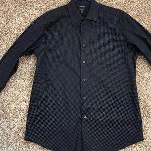 Apt 9 slim fit dress shirt. 16.5 32/33